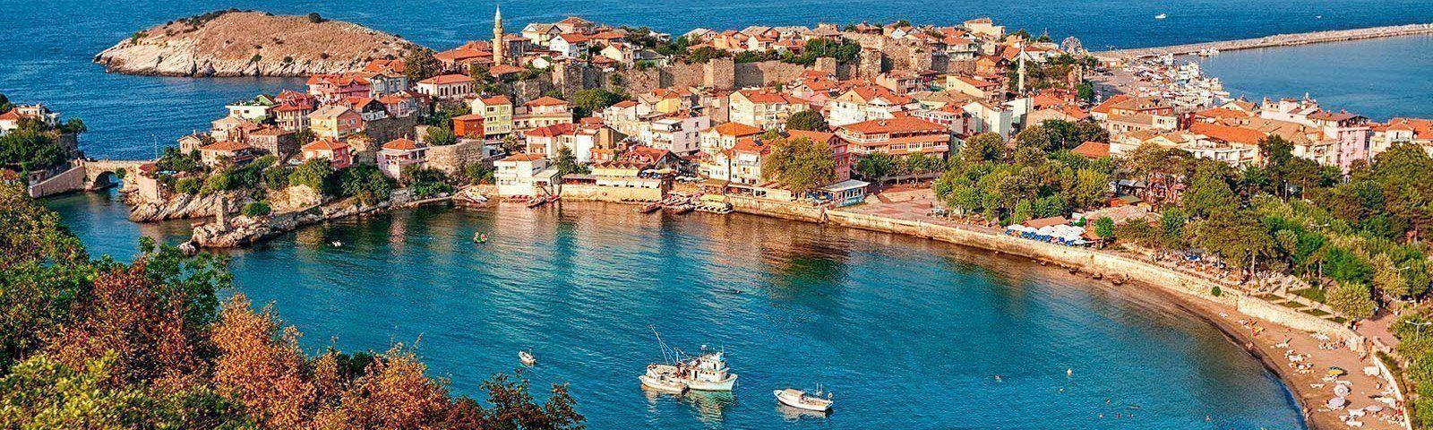 viaje-goleta-turquia-coast-town