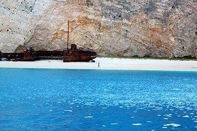 ruta-islas-griegas-velero-playa-naufragio