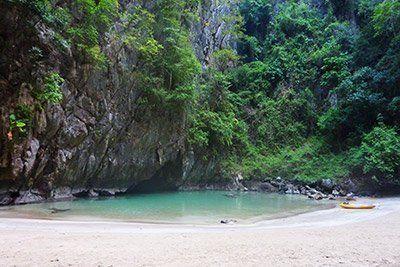 viaje-barco-tailandia-cueva-azul