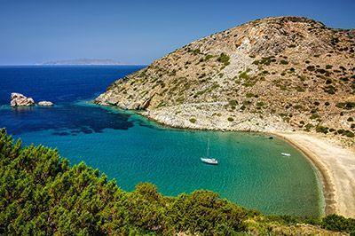 viaje-velero-cicladas-playa-syros